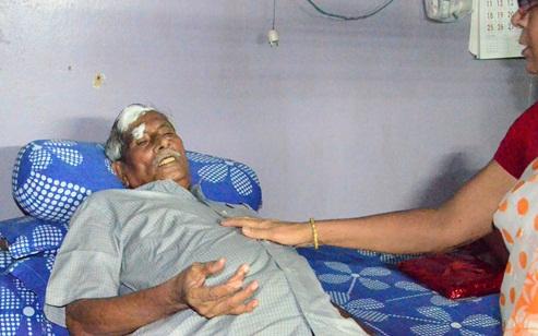 An Injured Dipak Dasgupta
