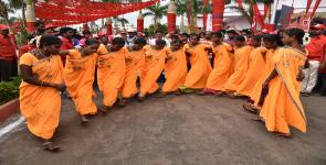 Adivasi women performing at the venue